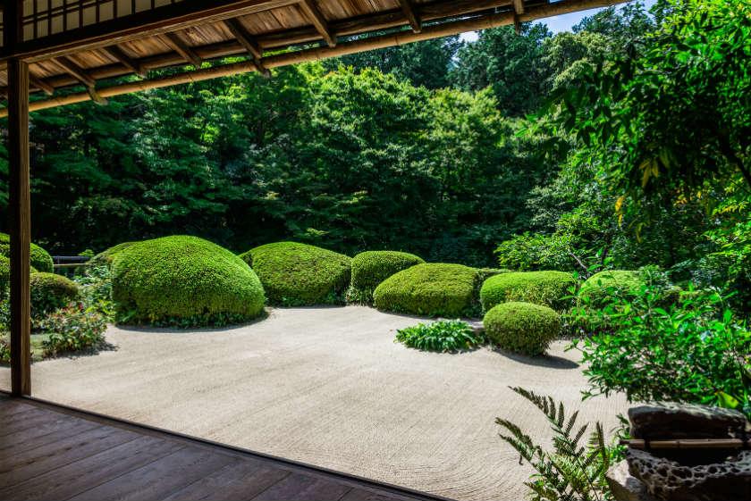 comment faire un petit jardin japonais affordable interesting crer un jardin zen entretien ide. Black Bedroom Furniture Sets. Home Design Ideas