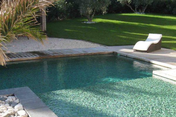 piscine-avec-revetement-mosaique